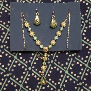 Avon Earrings and Necklace Set
